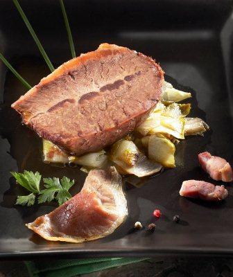 Rôti paleron de bœuf cuit braisé aux chicons - Beauvallet..