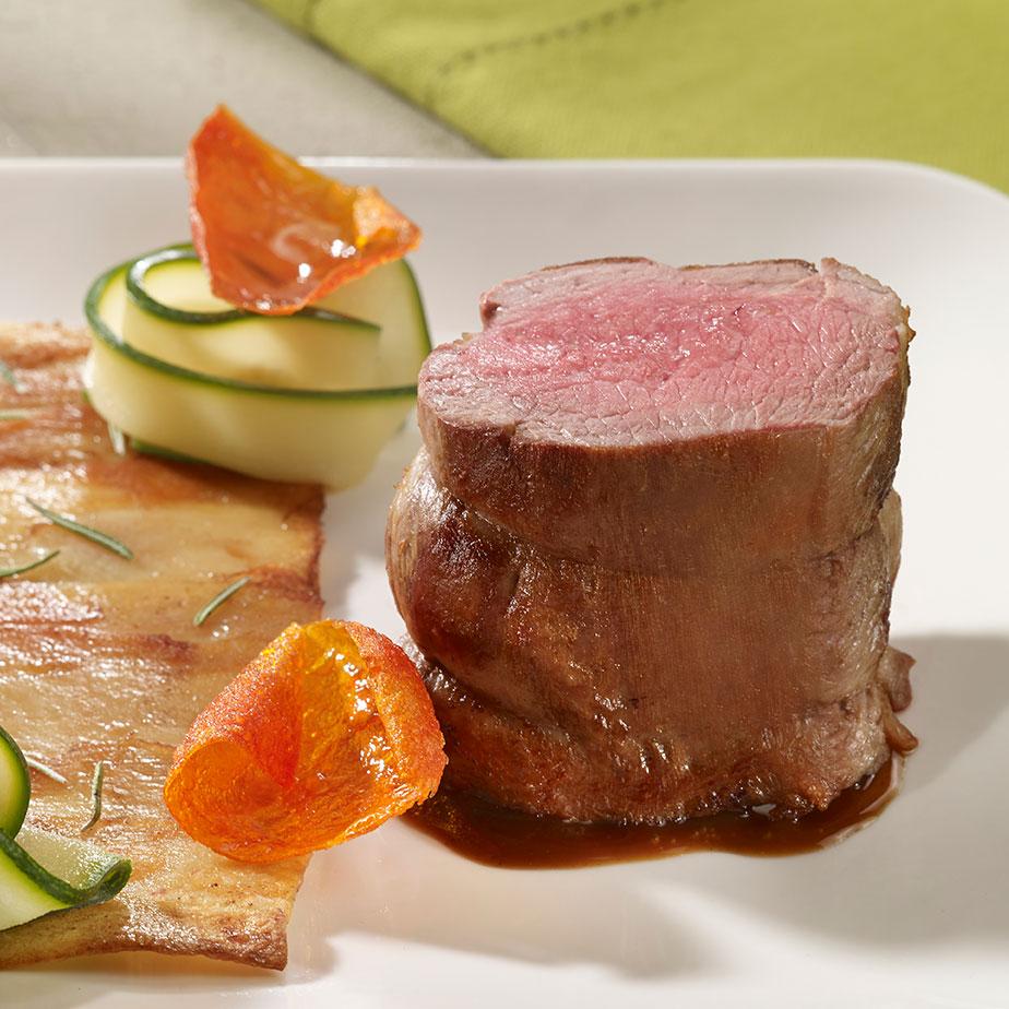 Rôti noisette d'agneau, croûte de pommes de terre et tagliatelles de légumes